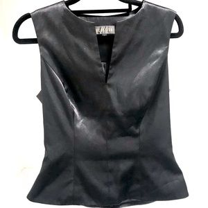 VINTAGE CUE DESIGN 8 Shiny Black Fitted Waist Tank